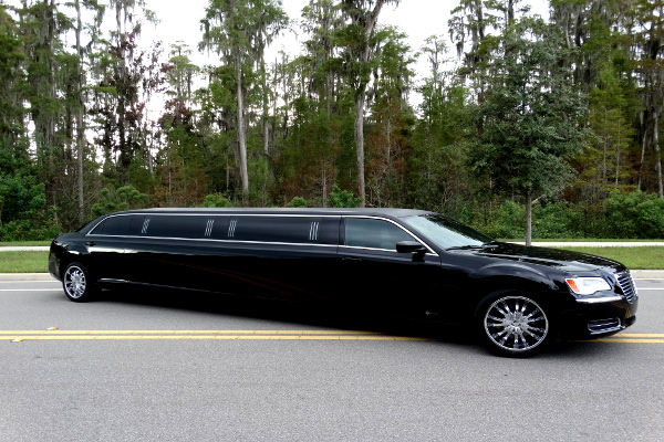 Chrysler 300 Limo Service Norfolk