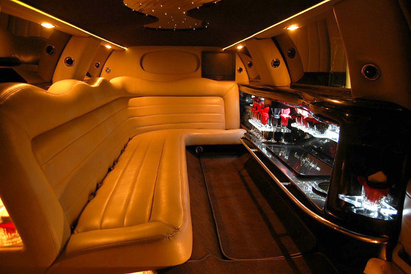 Lincoln Limo Service Norfolk