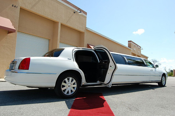Lincoln Stretch Limo Norfolk